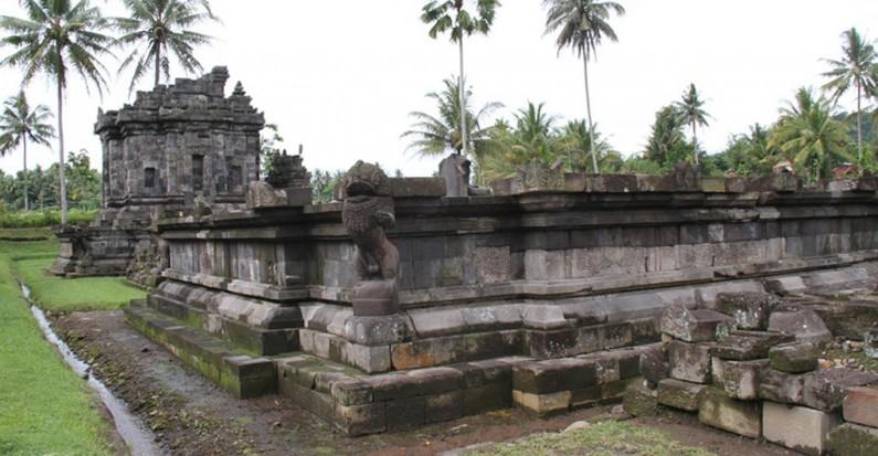 ngawen temple