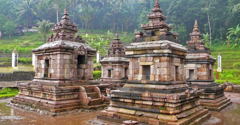 ngempon temple