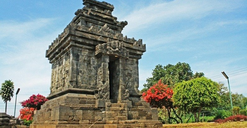 pringapus temple